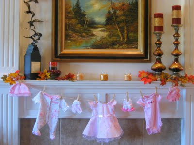 Kelly s baby shower for Baby shower clothesline decoration