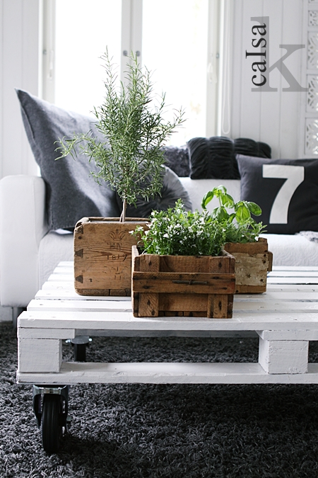 pallet coffee table 2
