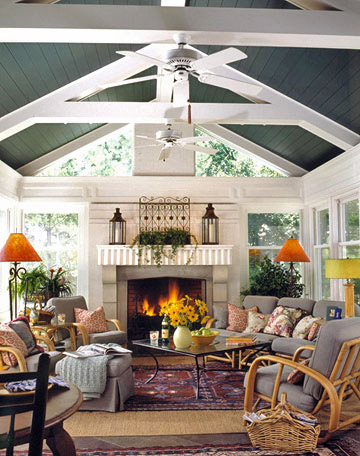 Stunning architectural details wood beams for Vaulted ceiling paint ideas