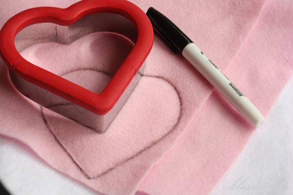Easy Valentine\'s Day Garland
