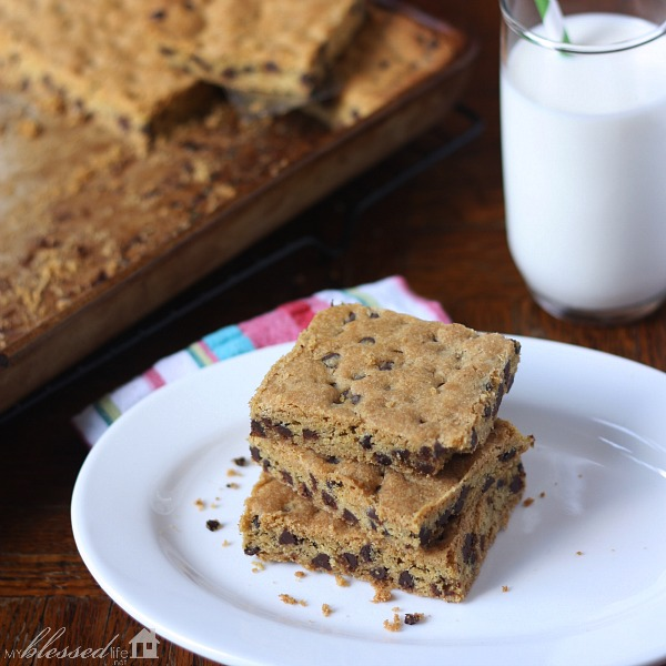 Chocolate Chip Bars {Cookie Cake}