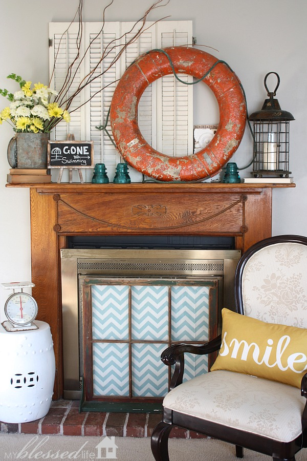 summer mantel decor