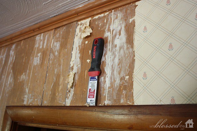 How to remove wallpaper from paneling the easy way for Removable wallpaper wood paneling