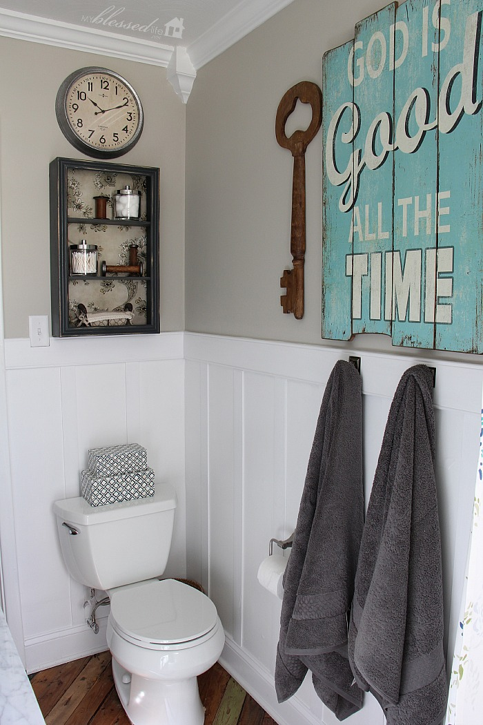 Beautiful Cottage Style Bathroom Makeover | MyBlessedLife.net