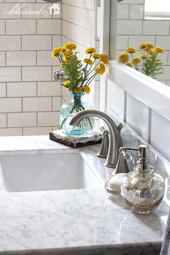 Amazing Bathroom Vanity Giveaway   MyBlessedLife.net