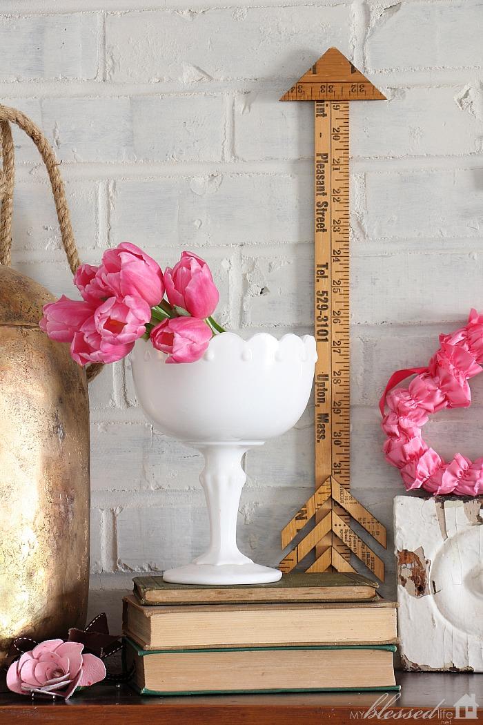 Pretty & Pink Valentine Mantel | MyBlessedLife.net