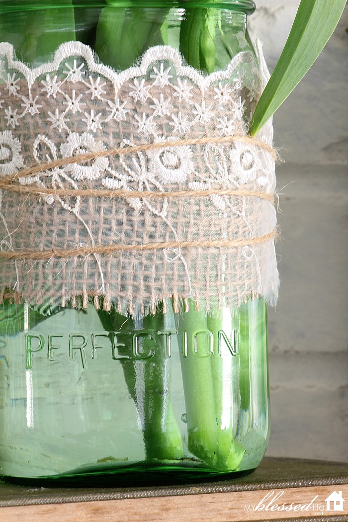 Beautiful Spring Mantel | MyBlessedLife.net