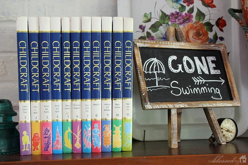 Playful Summer Mantel | MyBlessedLife.net
