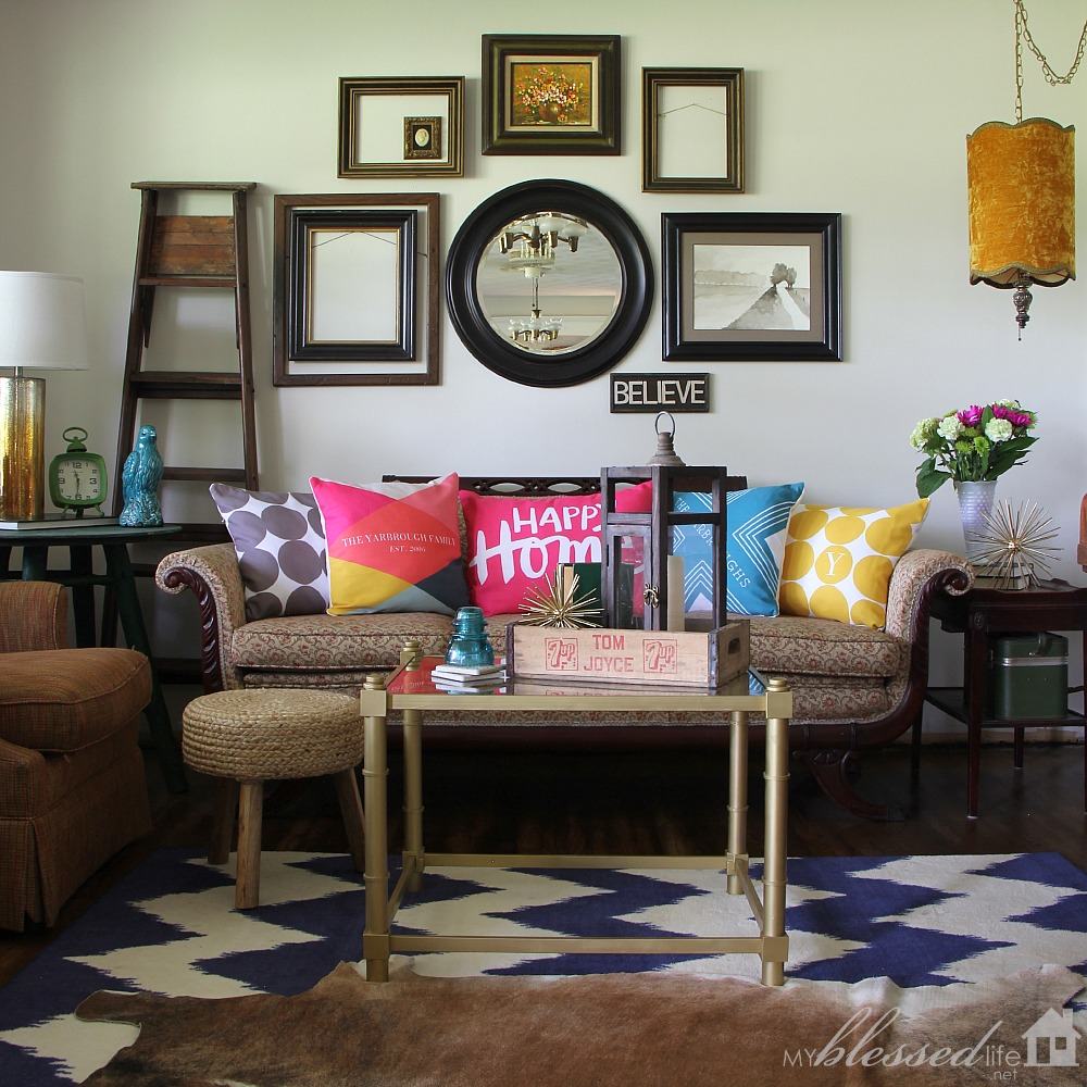 Accessorize Your Living Room With Color | MyBlessedLife.net Part 39