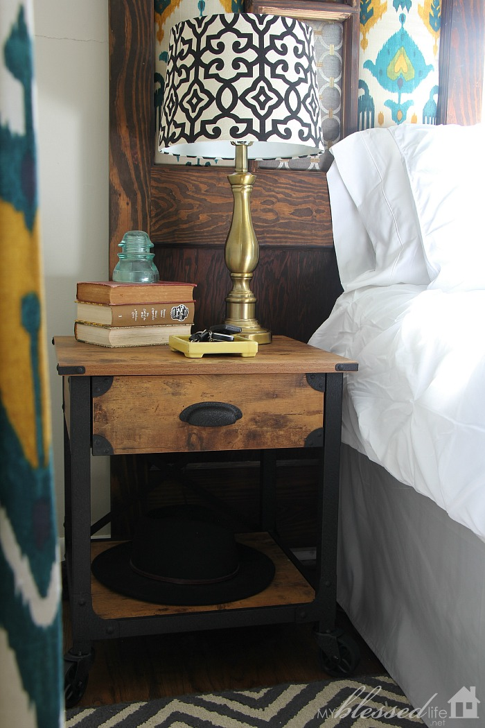 Spring Bedroom Makeover | MyBlessedLife.net