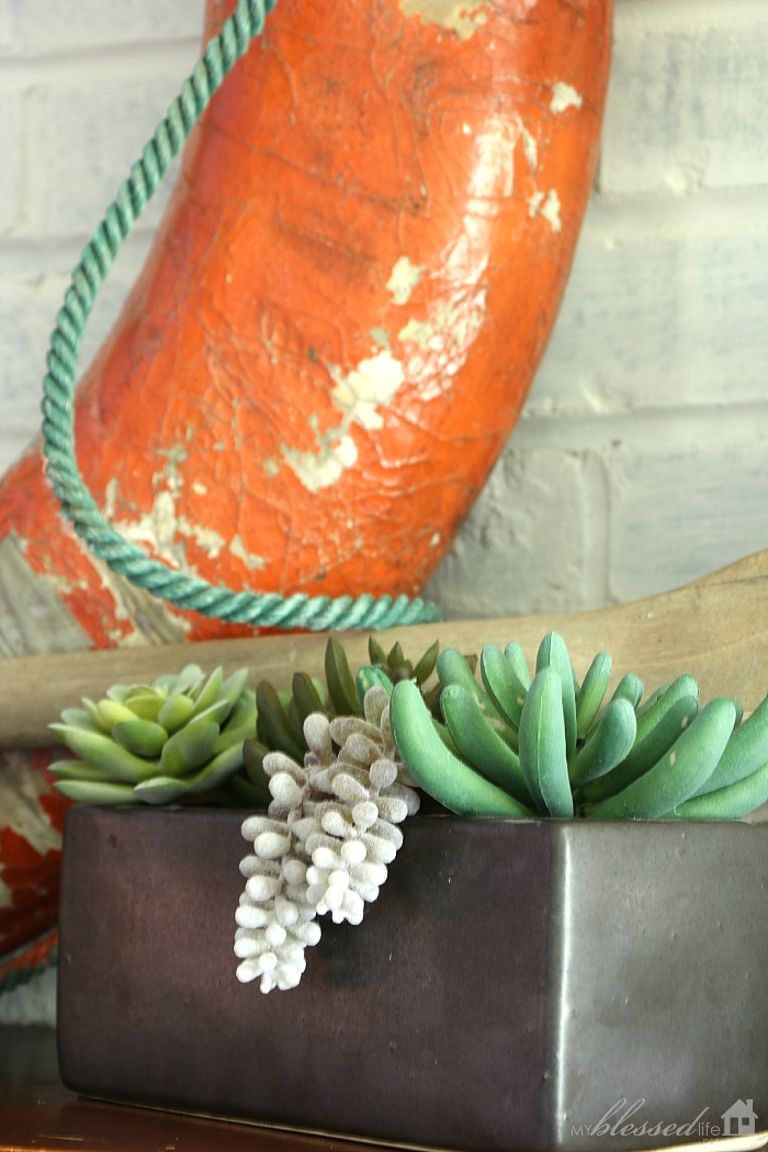 Simple Summer Mantel 2015 | MyBlessedLife.net