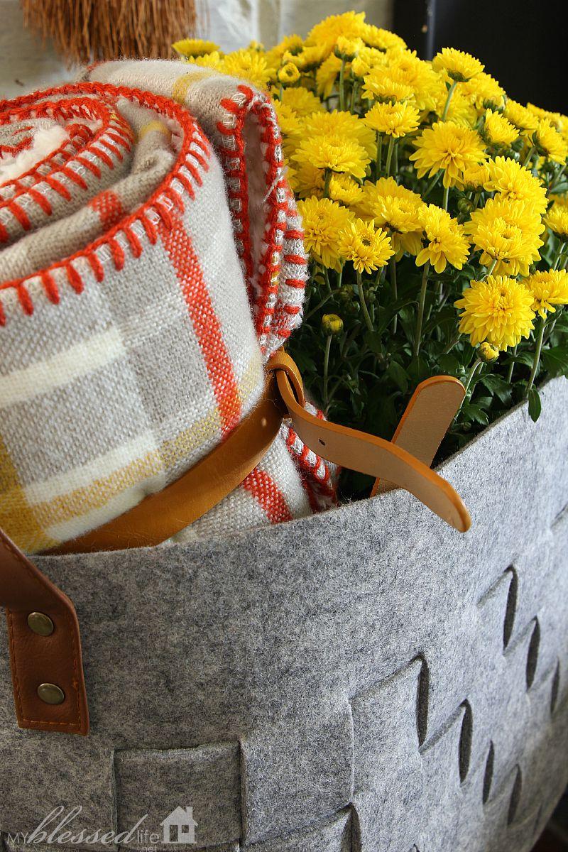 Natural Layered Fall Mantel | MyBlessedLife.net