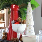 Simple Christmas Centerpiece {& Easy Holiday Gift Idea!}